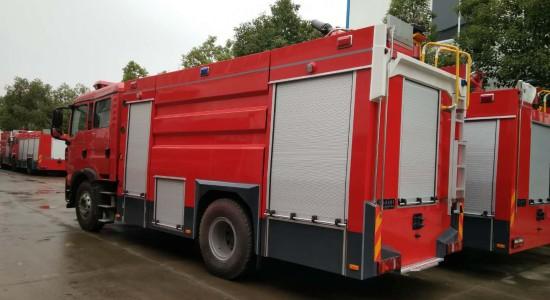 小型电动泡沫消防车